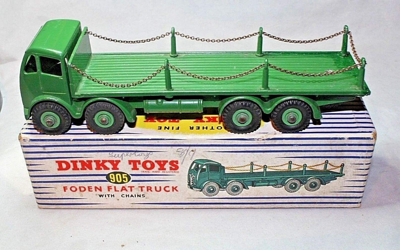 Dinky  905 Foden Type 2 Flat Truck with Chains, Superb in Good Original Box