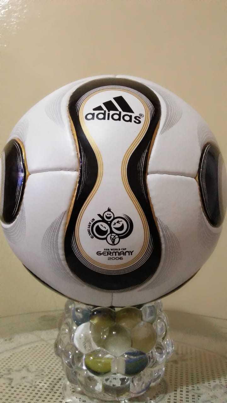 Adidas Teamgeist FIFA World Cup Germany 2006 (hecho en Pakistán)