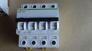 DISJONCTEUR-iC60N-4P-C32-32A-SCHNEIDER-A9F77439-009434