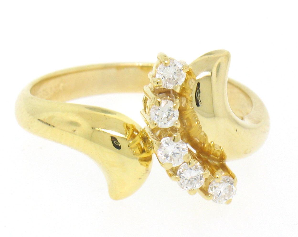 14k Solid Yellow gold 0.25ctw Swirled Crescent 5 Round Diamond Dinner Ring