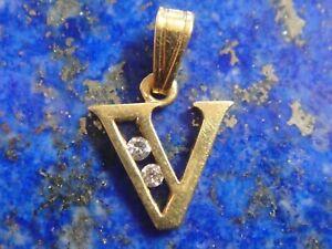 Pendentif Lettre V Or Gold 18k 750 + 2x Diamants Poinçon Tête Aigle 0,6g 9