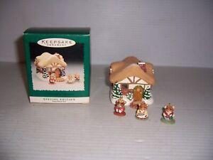 1995-Hallmark-A-Moustershire-Christmas-Display-Piece-amp-3-Miniature-Ornament-Set