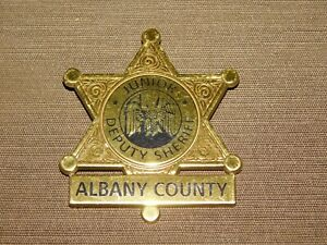 VINTAGE-2-1-2-034-ACROSS-JUNIOR-DEPUTY-SHERIFF-ALBANY-COUNTY-PLASTIC-TOY-STAR-BADGE