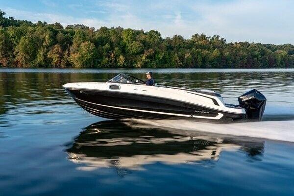 Bayliner VR6 OB, Motorbåd, skrog: glasfiber