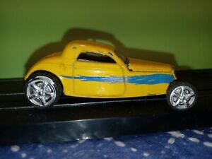 Road Signature Yat Ming Show Rodz Real Rubber 33 Ford Coupe Yellow Die Cast 1/64
