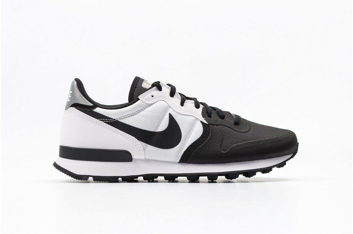 Nike Internationalist Premium SE Black White size 12.5. 882018-002. air max