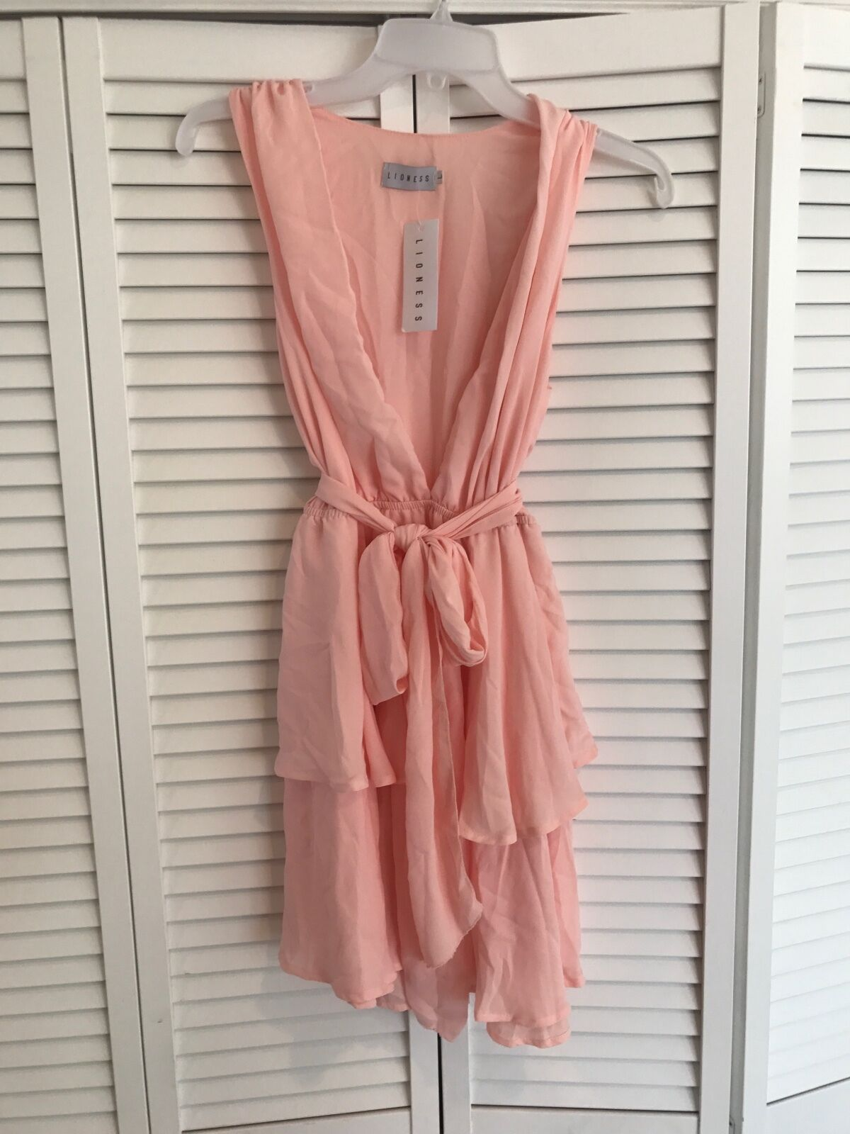 Lioness Fashion Large pink Pink Low Cut Ruffle Dress NEW with tags