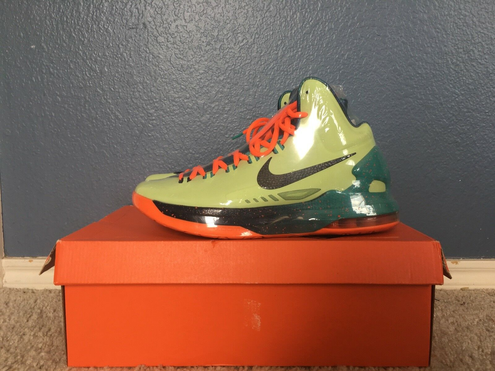 KD 5 Area 72 Size 10 with Original Box
