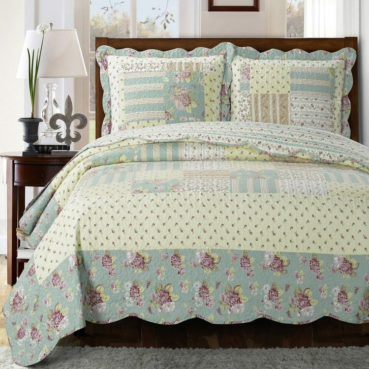 Welcoming Floral Patchwork Annabel Sweet Home Quilted Coverlet Set
