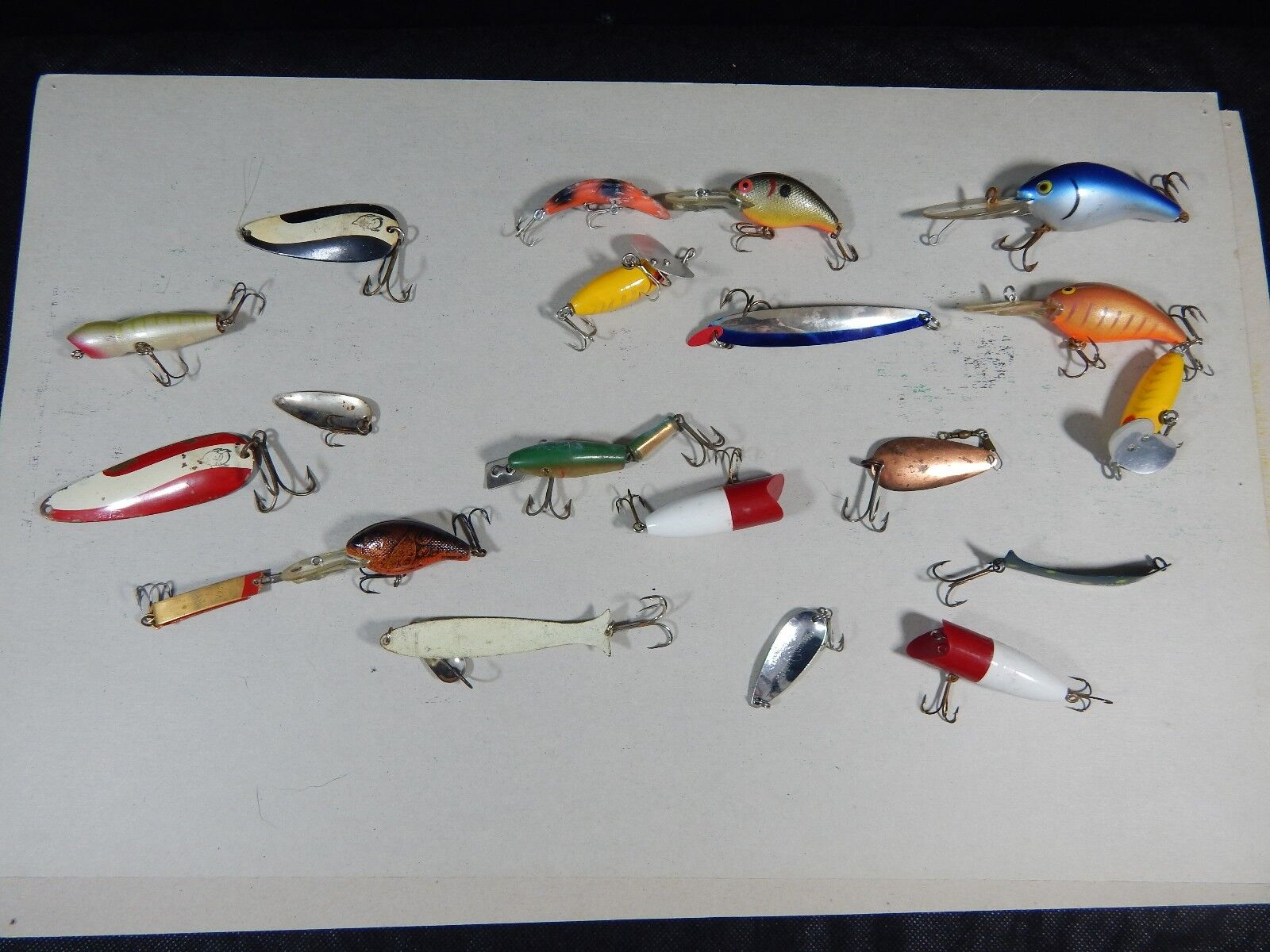 Lot of 21  MIXED FISHING LURES  7