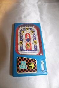 Vintage-Hand-Held-Pinball-Game-Red-White-amp-Blue-Made-in-Hong-Kong-1970s