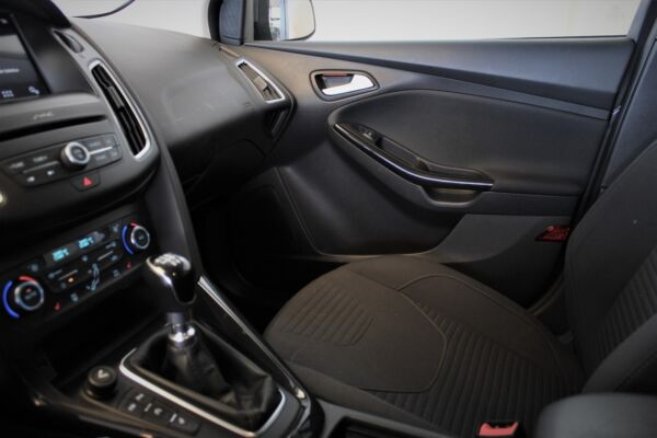 Ford Focus 1,5 TDCi 120 Titanium stc. billede 10