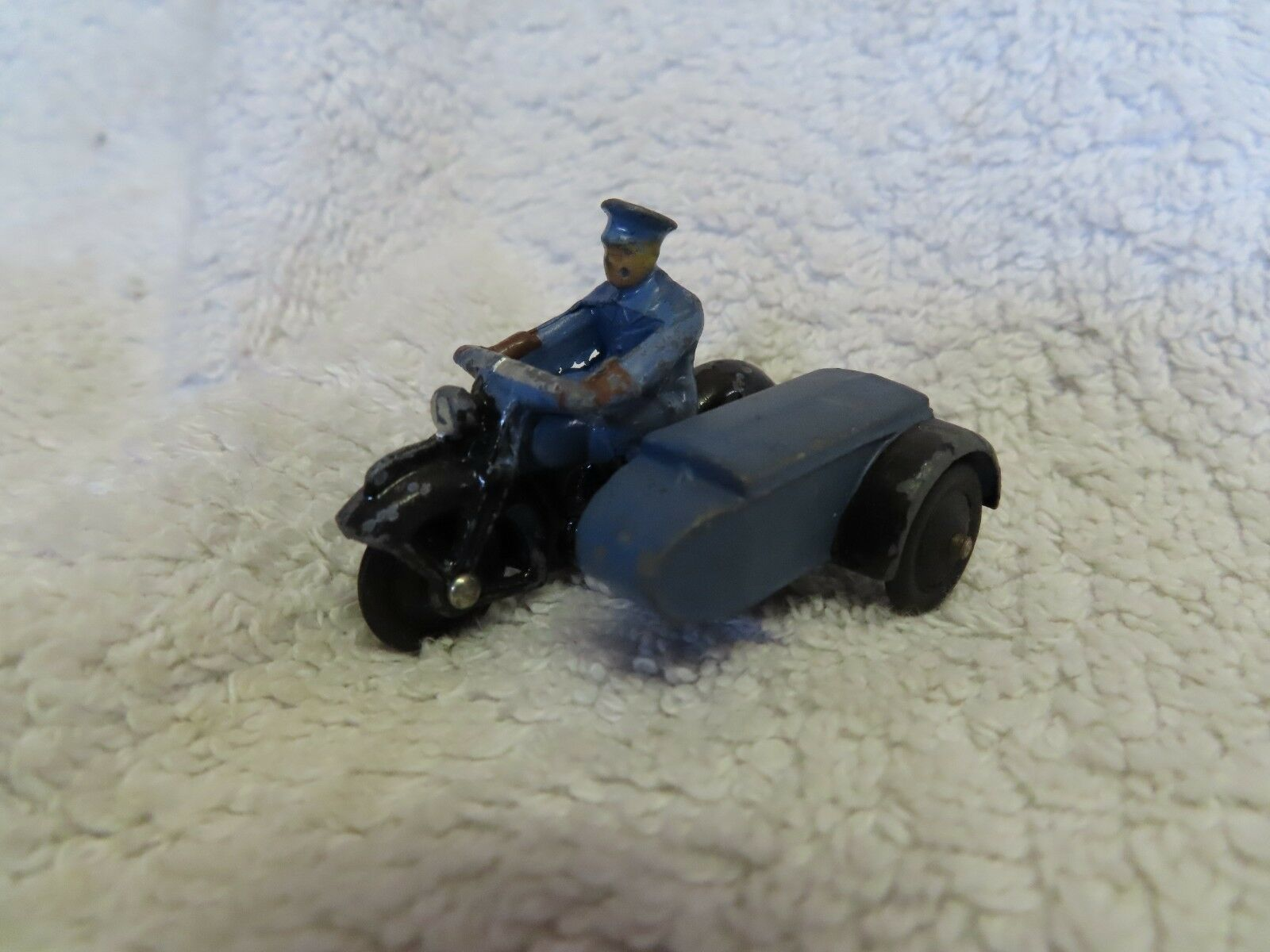 DINKY TOYS RAC MOTOR CYCLE AND SIDECAR PATROL