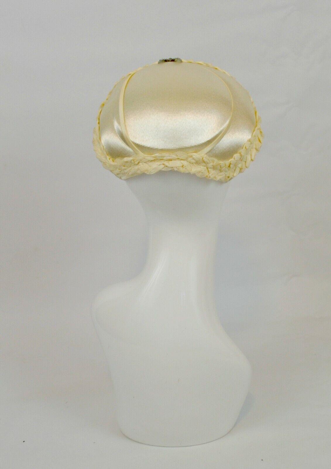 1950s Ivory Wedding Fascinator Hat with Bow Rhine… - image 2