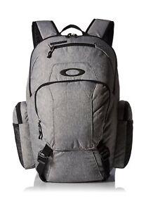 Oakley Men s Blade Wet Dry 30 Backpack Heather Grey One Size ... 0710913700d