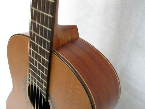 400 Zeder MASSIV MATT FINISH Hochwertige 4//4 Konzertgitarre MADE IN EUROPE