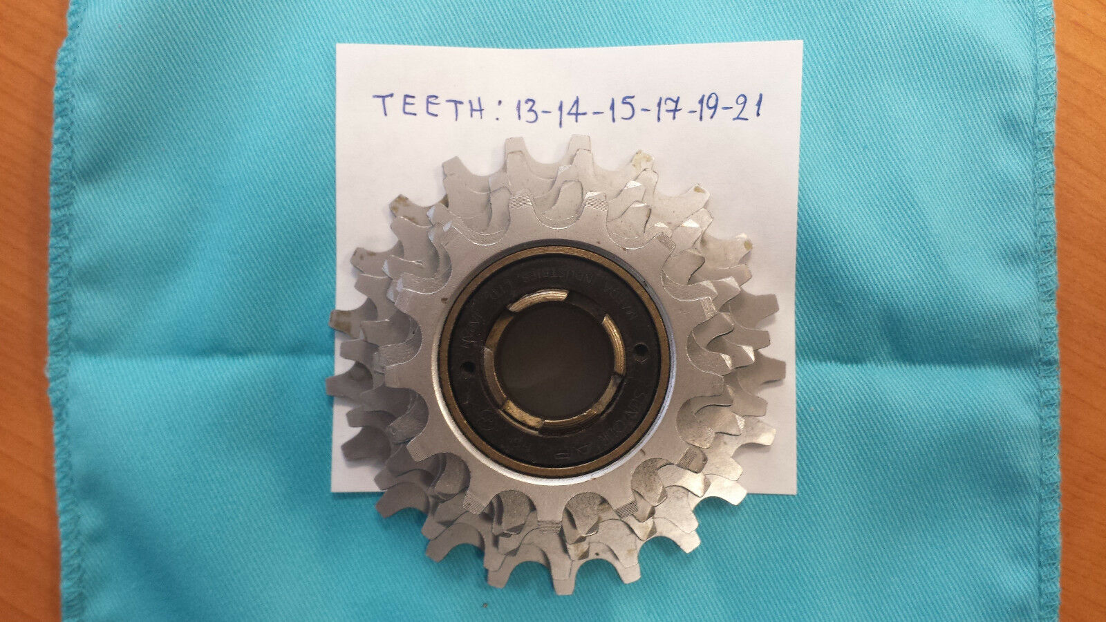 NOS Suntour 6 speed freewheel english thread 13-21 Ratio made in Japan New