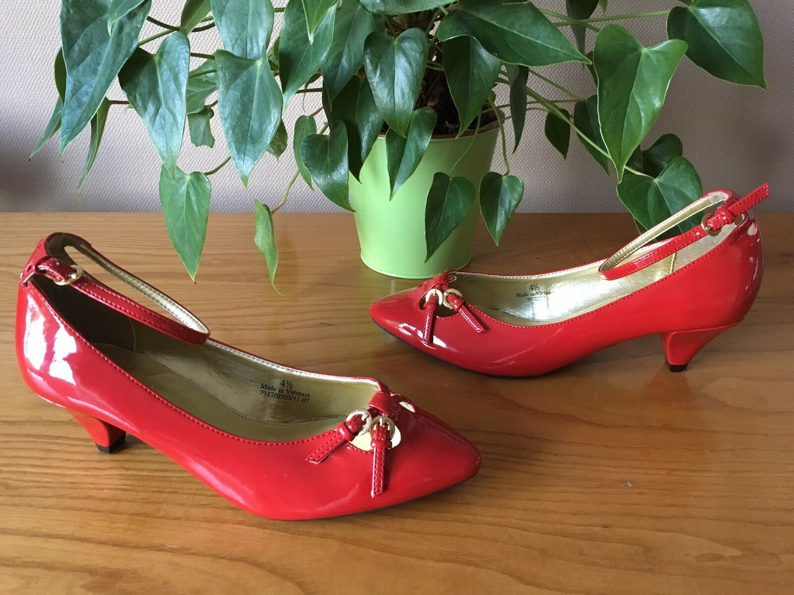 Ladies Marks & Spencer red patent buckle strap court shoes UK 4.5 EU 37.5