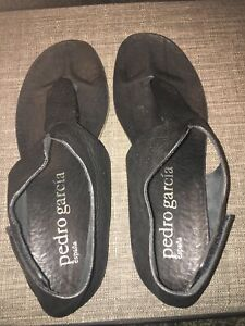 Pedro Garcia Espana Black Leather Thong Sandals Women's Sz EUR 39.5/ US 9.5  EUC