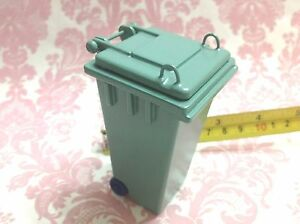Dollhouse-Miniature-Furniture-Outdoor-Green-Trash-Garbage-Can-H3-5-S1-12