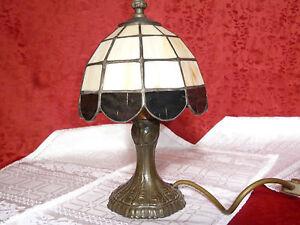 Tischlampe-Tiffany-Metallfuss