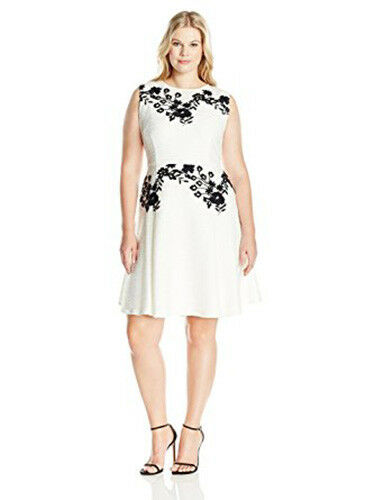 Taylor Dresses Woherren Corded Knit with Applique At Bodice and Waist NWT
