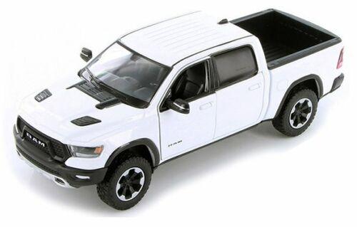 2019 DODGE Ram 1500 Rebel MotorMax 1:24 white