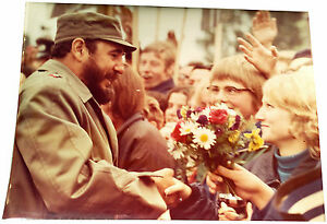 1972-Berlin-FIDEL-CASTRO-GREETING-GERMANS-Spremberg-Rare-Large-Photograph
