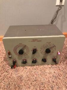Vintage-HEATHKIT-T-V-Alignment-Generator-Powers-On