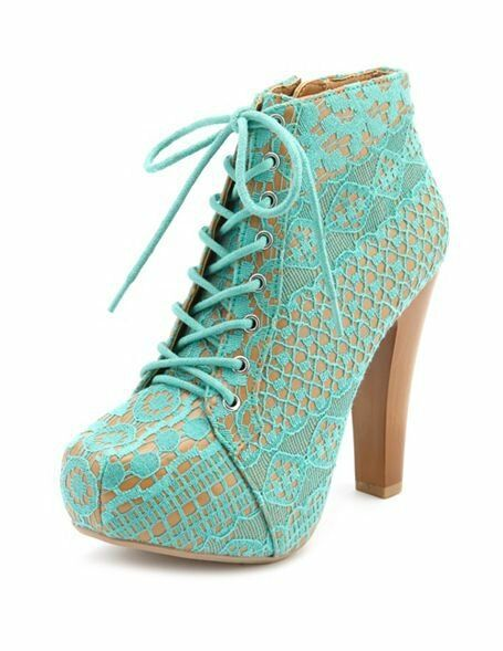 NEW NIB CHARLOTTE RUSSE QUPID LACE ANKLE BOOTIES 6    SFS