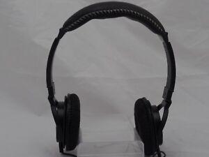 Nintendo-Wii-U-Rocketfish-Gaming-Stereo-Headset-Rare-Discontinued-Edition