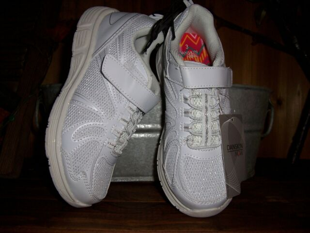 order official shop picked up DANSKIN GIRLS ATHLETIC SHOES SIZE 5 WHITE KIDS SCHOOL SHOES ...