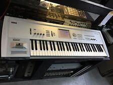 Korg Triton 61 key Workstation Classic  SAMPLER/16meg/keyboard synth //ARMENS//