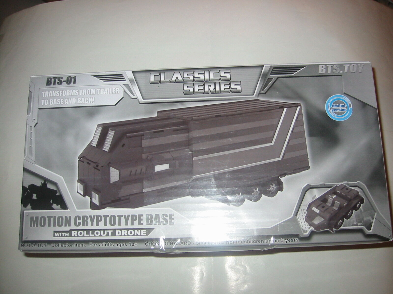 BTS-01 Classic Series Motion Cryptotype Base Rollout Drone Optimus Prime Trailer
