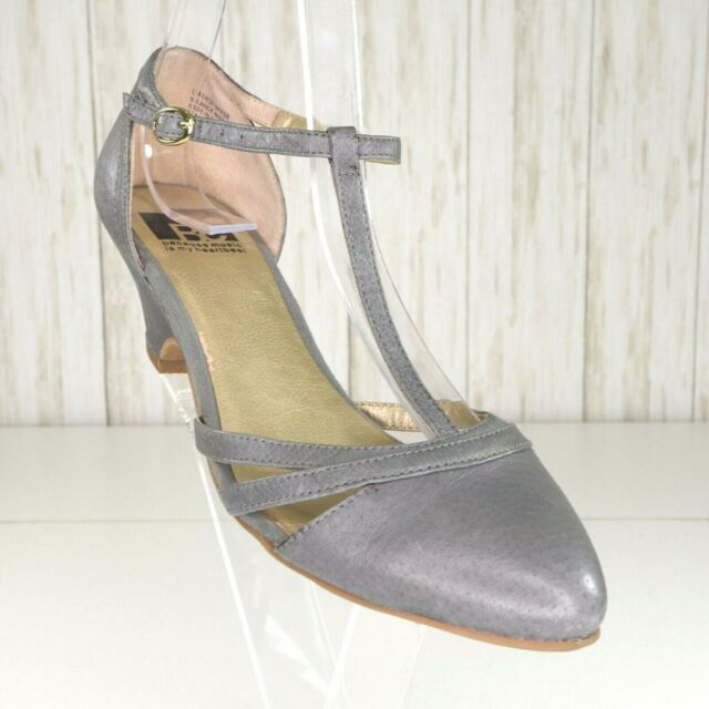 BC Footwear Gray Leather TStrap Heels Shoes Size 7.5 Womens Pumps euc
