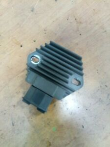 regulateur-redresseur-de-tension-Honda-125-SH-01-04-jf09a