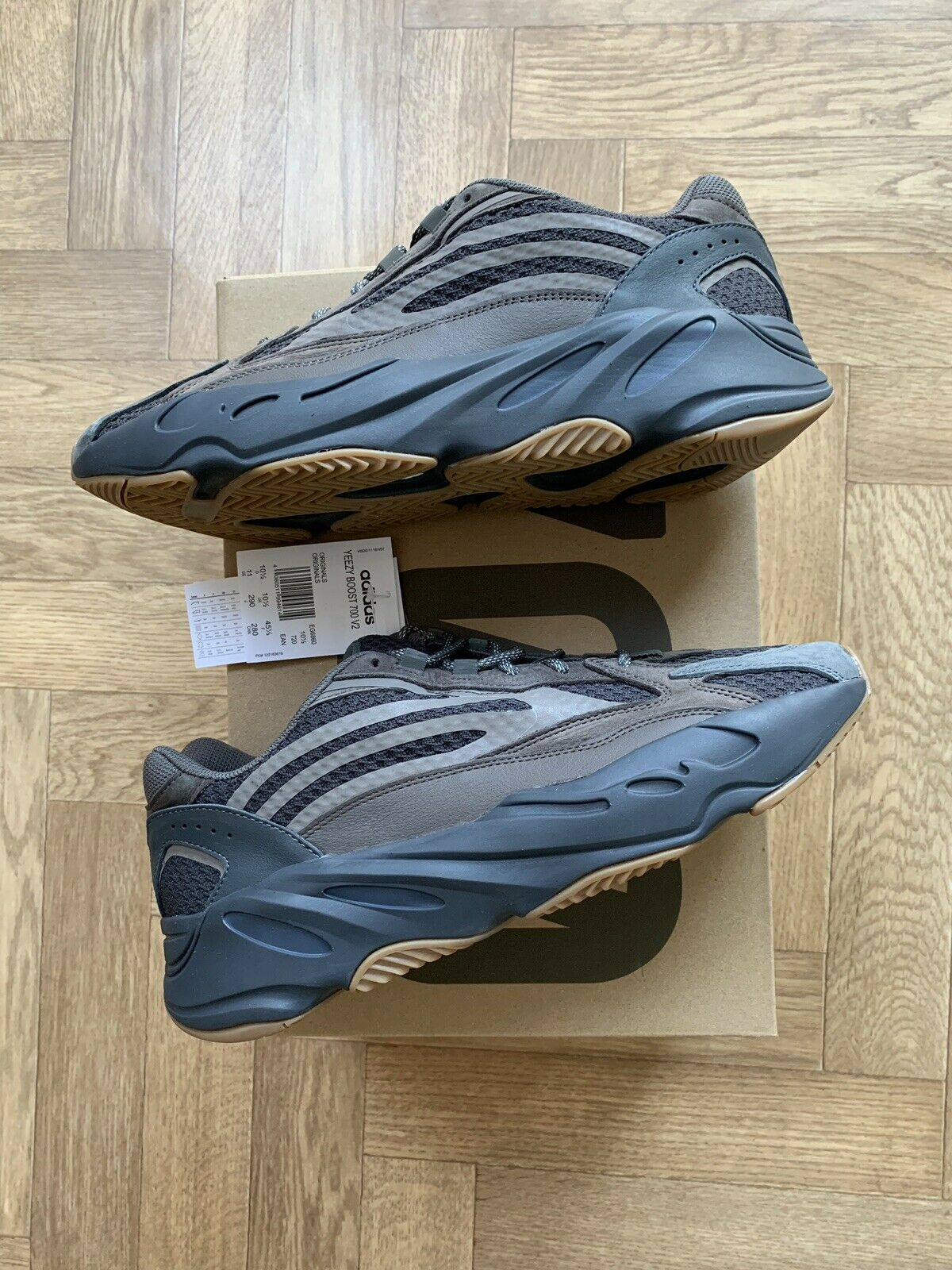 Adidas Zeezy Boost 700 V2 Geode Size 10.5 Boxed New EG6860 Quality shoes