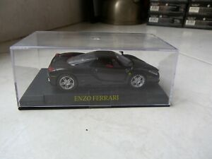 Ferrari-Enzo-ixo-altaya-1-43-Miniature-with-Box-Showcase