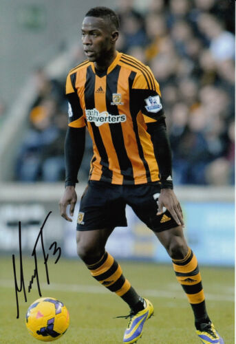 Hull City Hand Signed Maynor Figueroa 12x8 Photo 3.