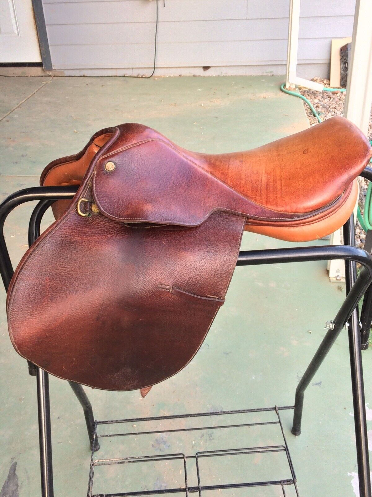 "Colligate Close Contact 16"" Saddle"
