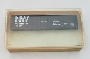 TRAIN-MINIATURE-HO-SCALE-40-039-N-amp-W-NORFOLK-WESTERN-PLUG-DOOR-FREIGHT-BOX-CAR-3204