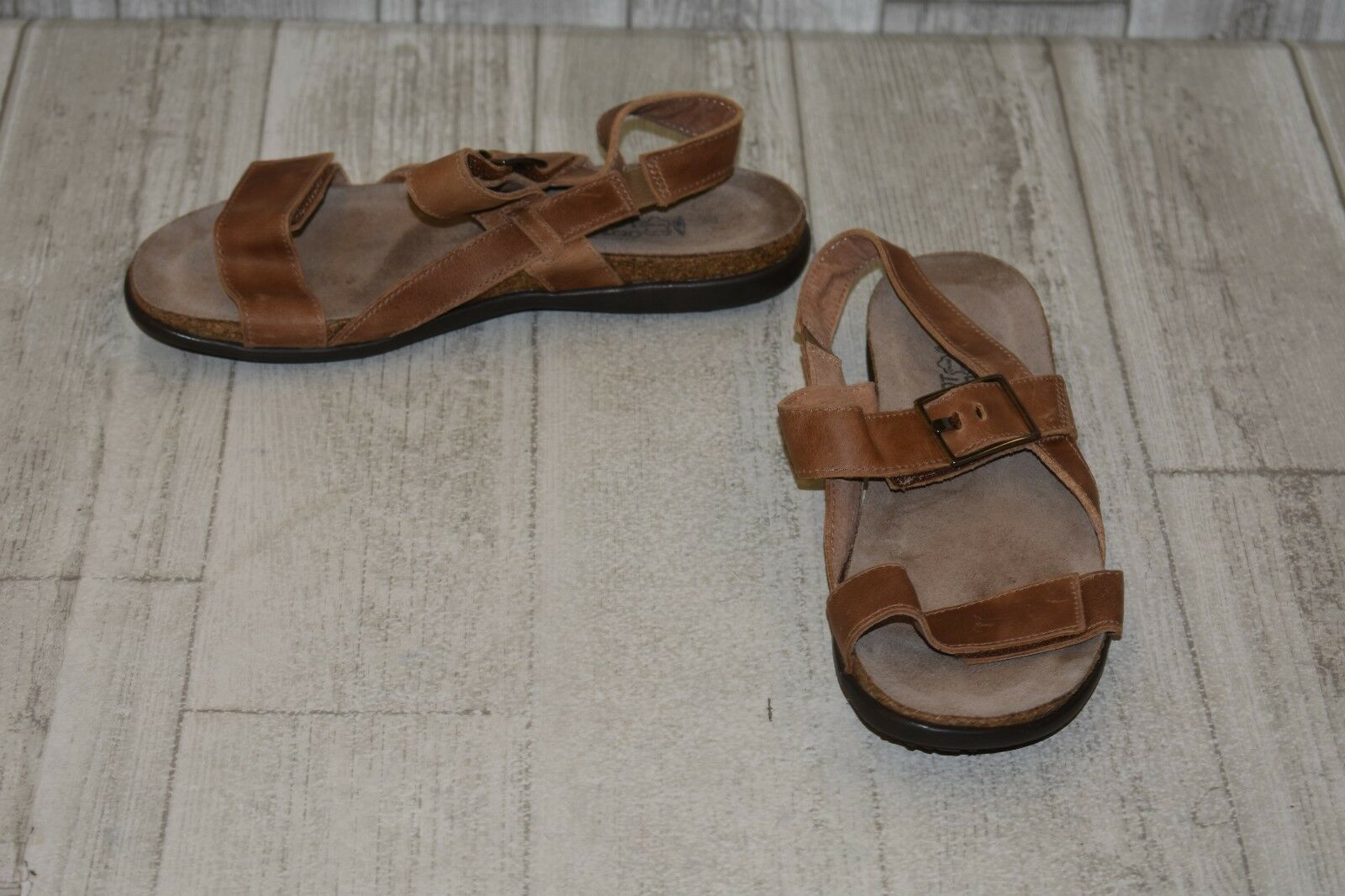 Naot Norah Leather Footbed Sandals, Women's Size 7, Latte