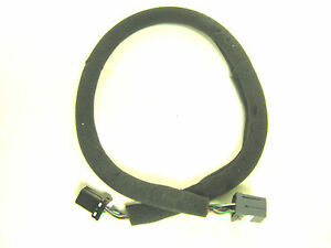 Chrysler-Cable-for-4-6-Disc-Add-on-Changer-2002-2005