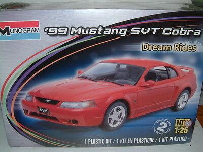 Revell Monogram  4014 ´99  Ford   Mustang SVT Cobra  Dream Rides   1:25