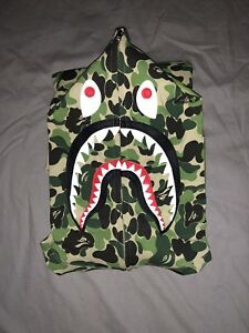 9e636636c3c A Bathing Ape ABC Camo Shark hoodie Size L Bape New Supreme