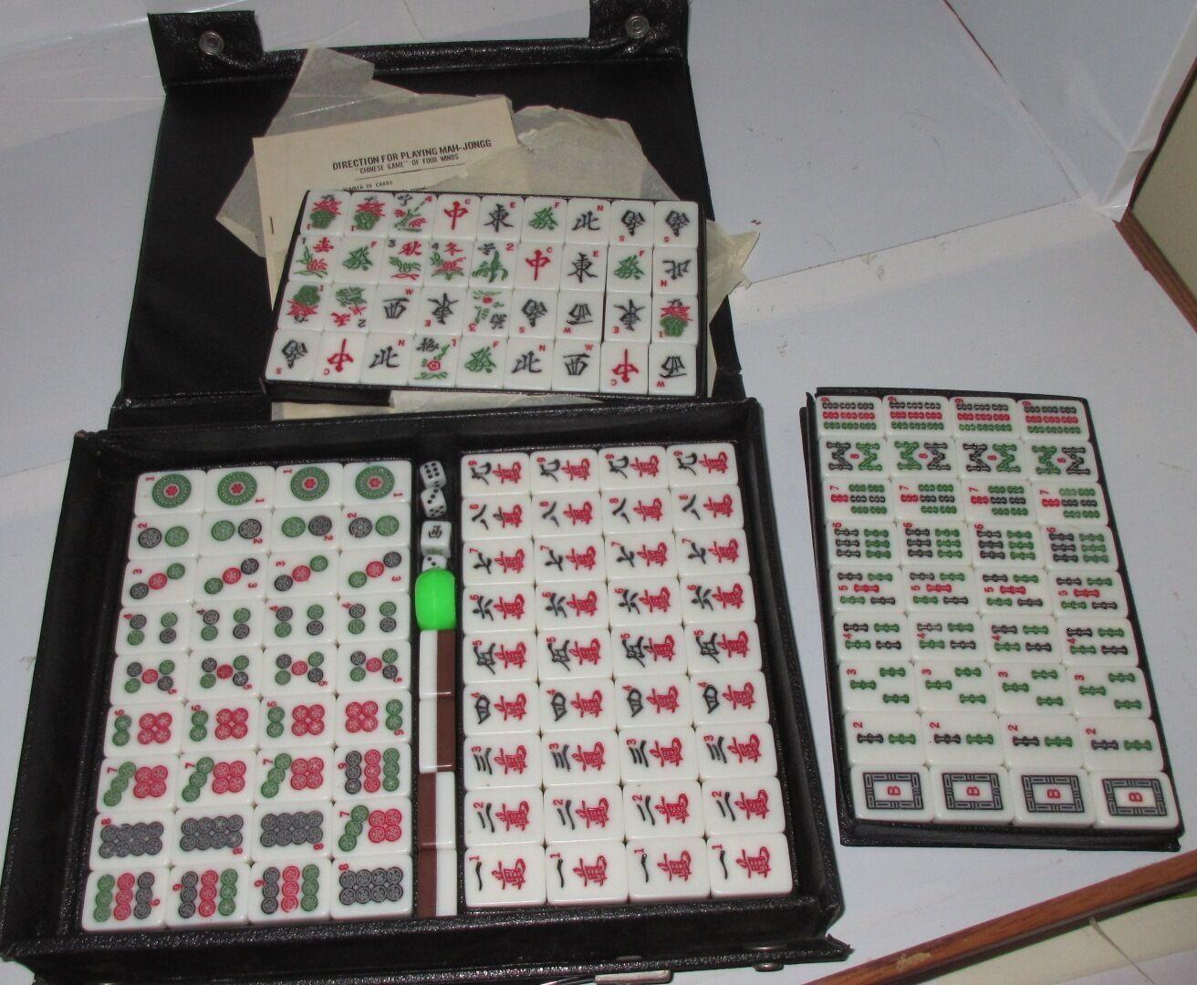 Vintage Mah jong Set Deux Tons Blanc marron cartes tuiles jeu Tile CASE dés Nice