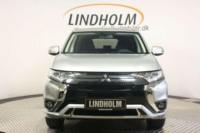 Mitsubishi Outlander 2,4 PHEV Inform+ CVT 4WD