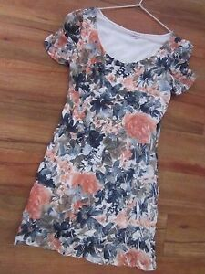 BEAUTIFUL-FLORAL-DRESS-SIZE-L-APPROX-10-12-BY-TEMT
