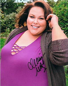CHRISSY-METZ-Alluring-Actress-This-Is-Us-SIGNED