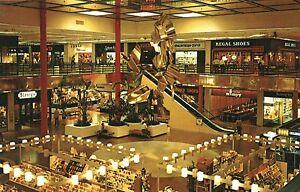 USA - Illinois - Waukegan - Lakehurst Shopping Center - interior view - <span itemprop=availableAtOrFrom>Berlin, Deutschland</span> - USA - Illinois - Waukegan - Lakehurst Shopping Center - interior view - Berlin, Deutschland